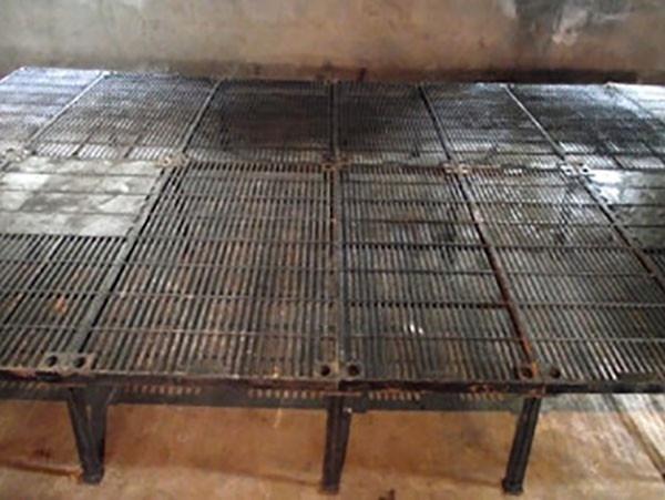 铸铁产床漏粪板